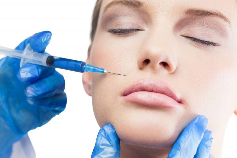 Плюсы и минусы уколов гиалуроновой кислоты