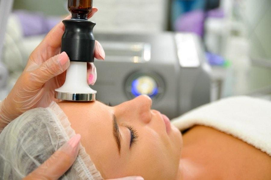 Электропорация (безыгольная мезотерапия) - неинвазивный метод ухода за кожей